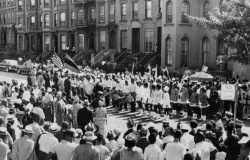 Members of the UNIA in Harlem, 1920s. Image: Black Business Network