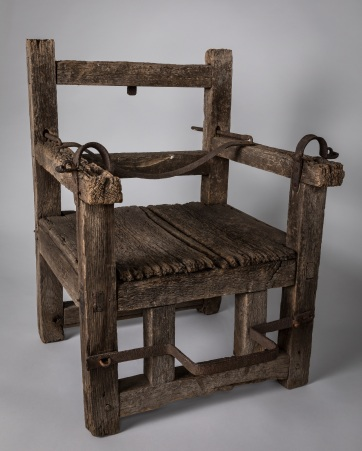 Ducking-Chair-English-traditional-17th-century-Jamestown-Yorktown-Foundation-collection